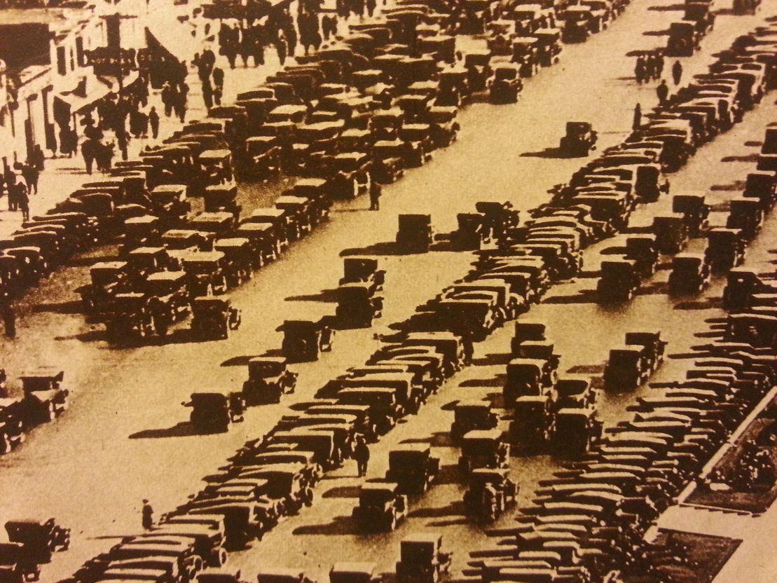 Rekisteröityjen autojen määrä suomessa