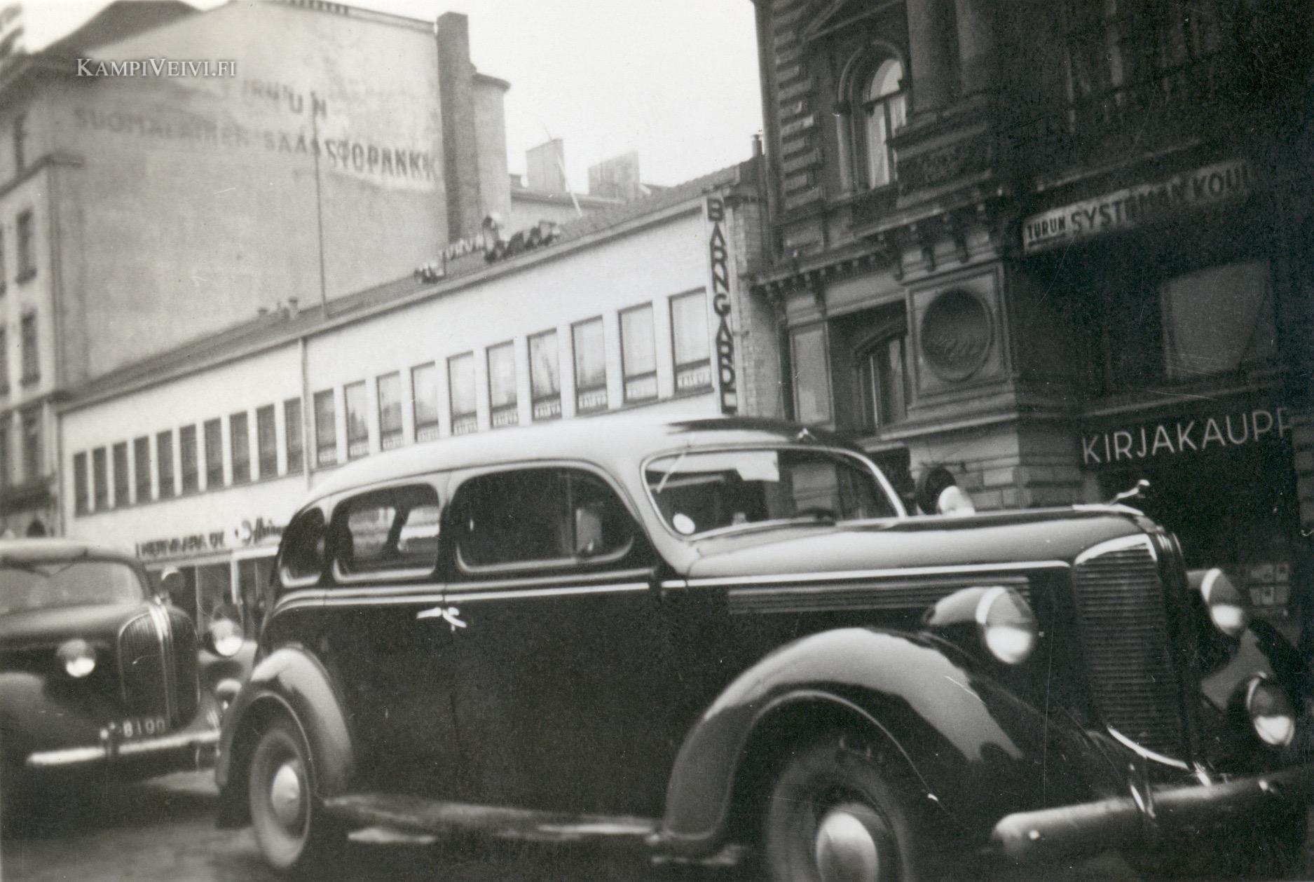 1938 Dodge Limousine kuvattu 1948 kauppiaskadulla